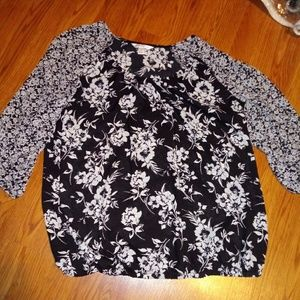 Croft & Barrow Black and Gray blouse